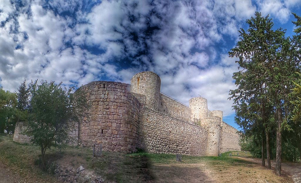 Castillo de Burgos, monumentos imprescindibles de Burgos